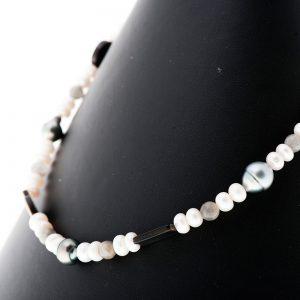 perles blanches chinoises perles Tahiti baroques Labradorite
